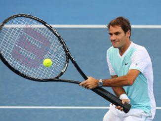 Federer racchetta gigante